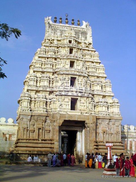 Srirangam Sri Ranganathaswamy Temple - Abode of Lord Vishnu